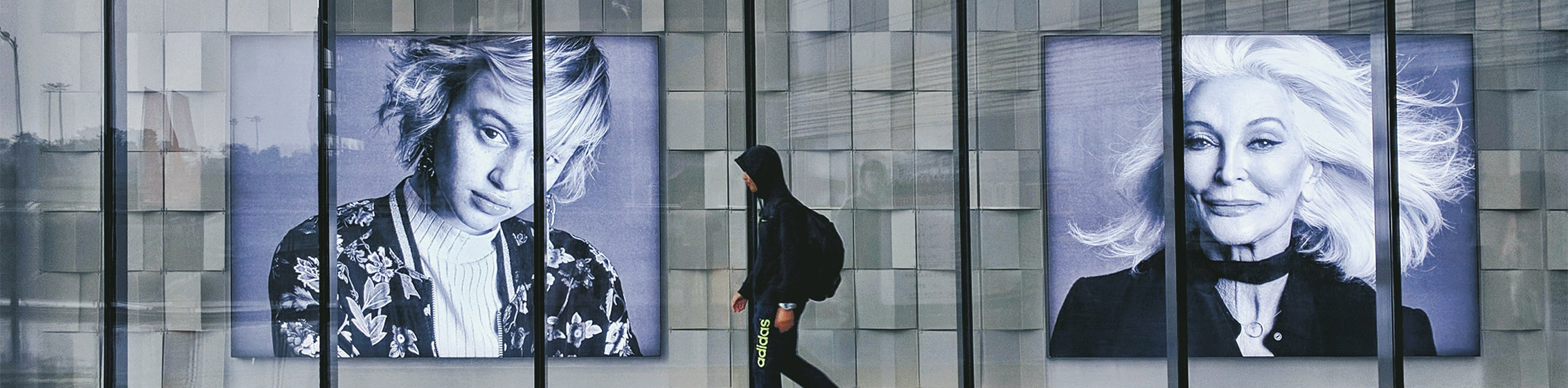What is Guerrilla Marketing? Examples And Benefits